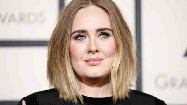 Adele, memleketi Londra'ya geri dönüyor