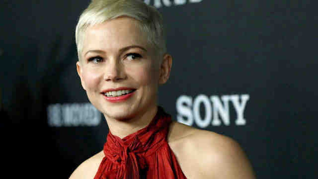 Oyuncu Michelle Williams evlendi