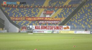 Galatasaray taraftarı vefat eden MKE Ankaragücü taraftarları Eren ve Mert'i unutmadı
