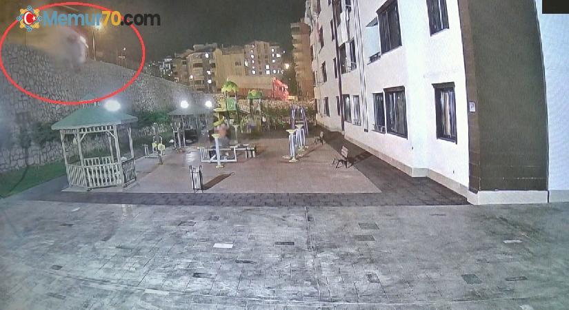 Tokat'ta otomobil site bahçesine uçtu, o anlar güvenlik kameralarına yansıdı