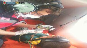 Ambulans helikopterdeki çocuk hastaya iyi hissetmesi için çizgi film izlettirildi