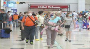 Turizm kenti Antalya'ya Rus turist yağıyor