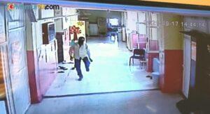 Stajyer öğrenci cep telefonunu çalan hırsızı kovaladı